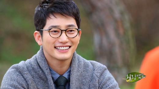 Park Shi Hoo Originally Comes From a Rich Family