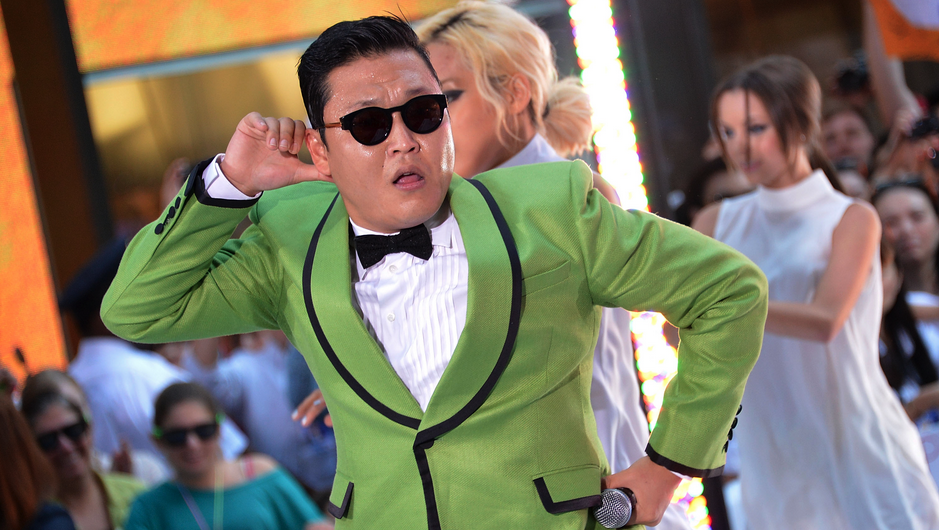 """PSY Travels in Style as He Jets to NYC to Reunite with the """"Elevator Guy"""""""