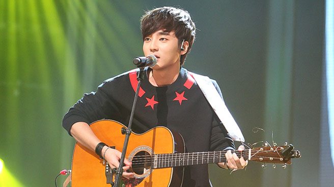 """Superstar K4"" Winner Roy Kim: ""My Mom Caught Me Watching Porn"""