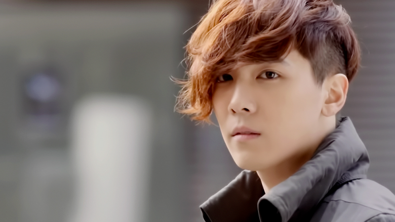 "FT Island's Lee Hong Ki Will No Longer Emcee ""M! Countdown"""
