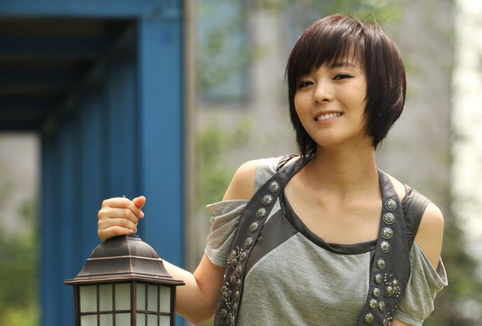 21-Year-Old North Korean Defector Resembles Wonder Girls' Sunye