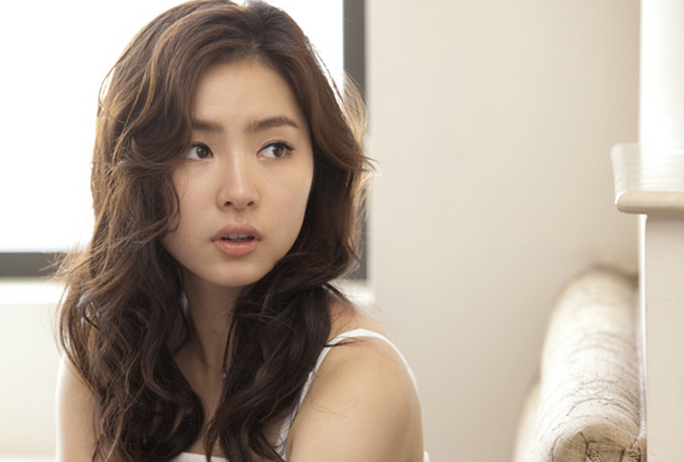 Did Shin Se Kyung Get Plastic Surgery?