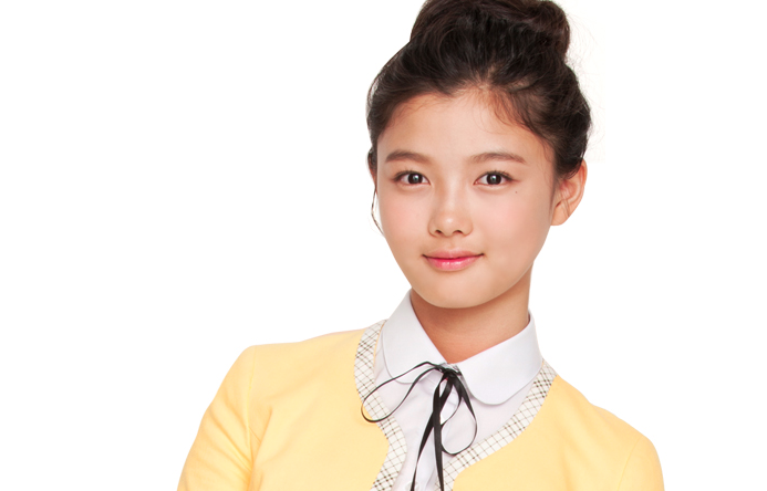 Kim Yoo Jung Chooses TOP over Kim Soo Hyun as Her Ideal Type