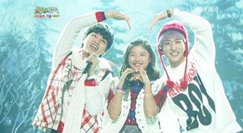 Child Actress Kim Yoo Jung And B1A4 Perform Couple Dance