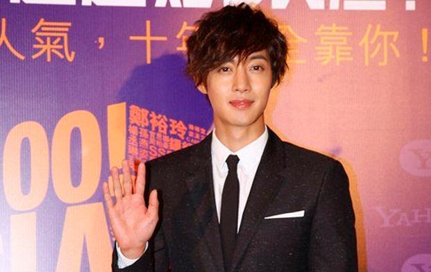 Kim Hyun Joong Wins Four Awards at the Yahoo! Asia Buzz Awards