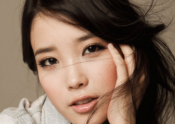 "Long-time IU Fan Confesses: ""I Like Her Music More Than Her Looks"""