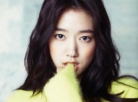 "Park Shin Hye in Romantic Winter Garb for ""InStyle"