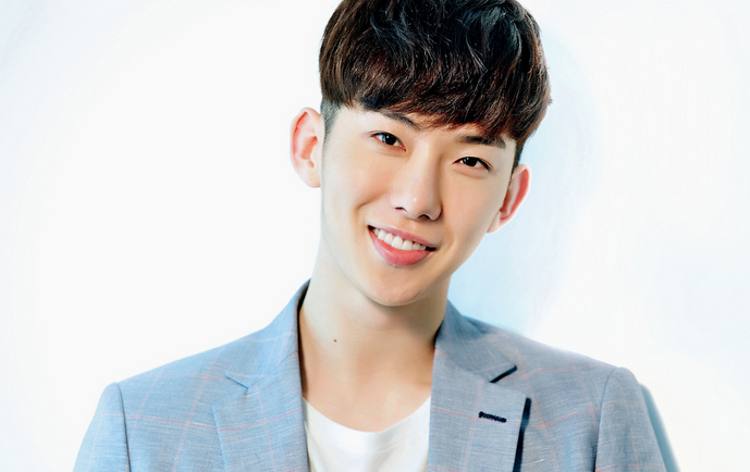 2AM's Jo Kwon Attends Christmas Party of Childhood Idol