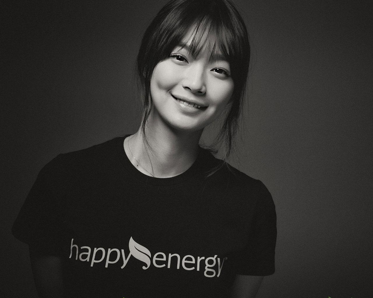 Shin Min Ah Glamourizes the Office Look