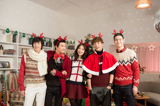 "Upcoming Drama ""Flower Boy Next Door"" Gets into the Christmas Spirit"