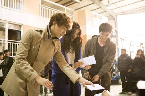 "Cast of ""Flower Boy Next Door"" Come Together to Make Ceremonial Offering"