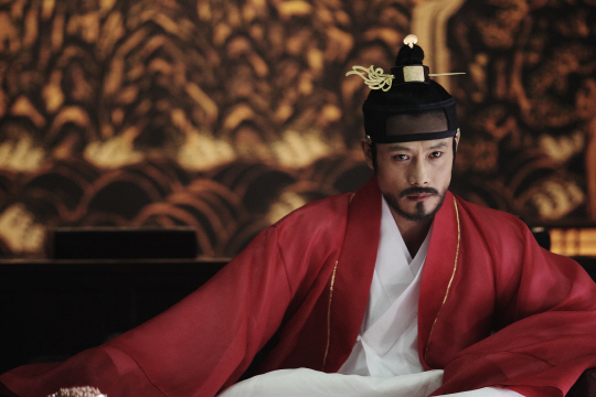 Lee Byung Hun Chosen As Movie Star Who Shined the Brightest in 2012