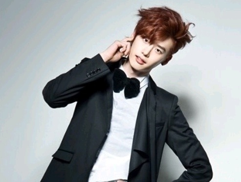 """School 2013's"" Lee Jong Suk to Host 2012 KBS Drama Awards"