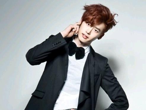 """School 2013's"" Lee Jong Suk to Host 2012 KBS Drama Awards"