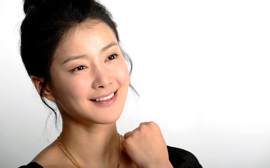 Actress Lee Shi Young Competes to Make Korean National Boxing Team