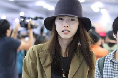 Lee Yeon Hee Looks Perfect Without Photoshop