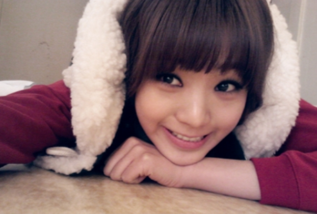 Lizzy Transforms into an Adorable Santa Girl