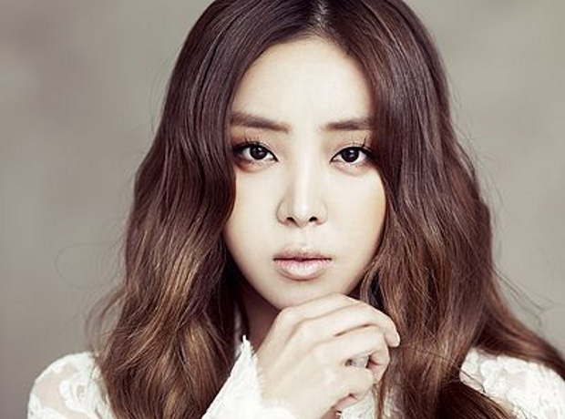 Brown Eyed Girls' Narsha Revealed to be Dating and Considering Marriage