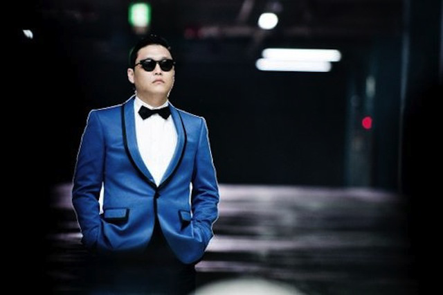 PSY Performs in Times Square with Yoo Jae Suk & No Hong Chul