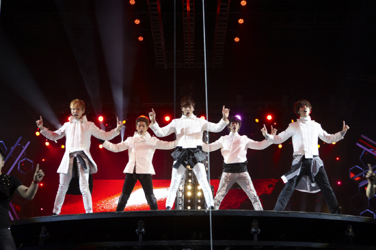 SHINee Holds Successful Concert in Singapore and Will Release New Japanese Single