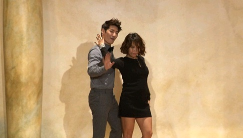 """Son Ho Young and Shin Bong Sun Pair Up for """"Troublemaker"""" Performance"""