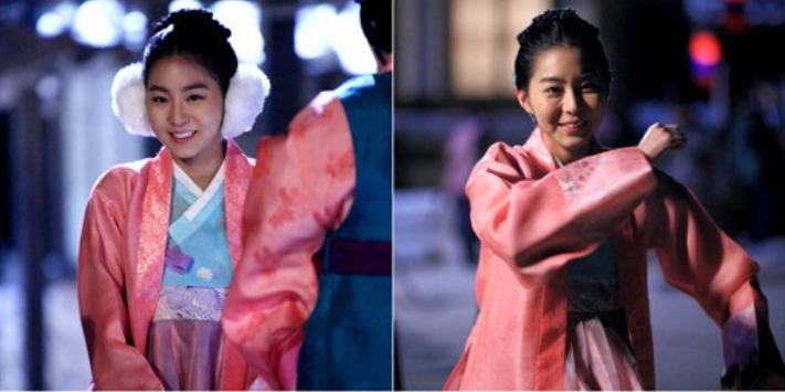 "Uee Shows Off Her Aegyo on the Set of ""Jeon Woo Chi"""
