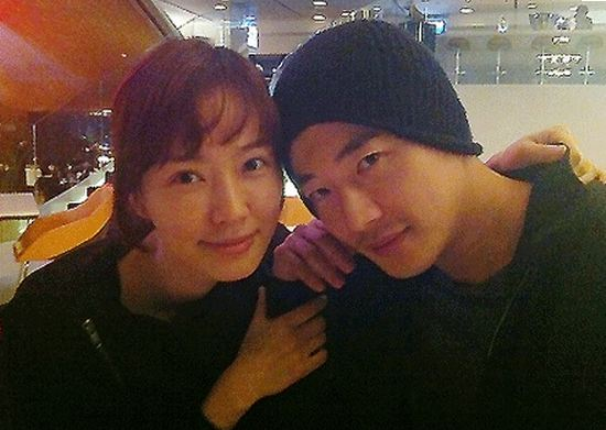 Son Tae Young Shows Support For Husband Kwon Sang Woo
