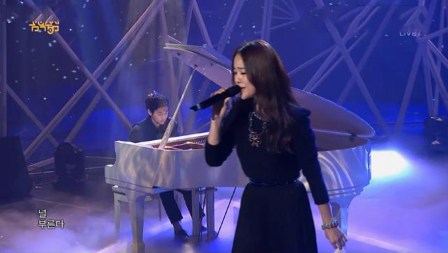 "Baek Ji Young Performs ""I Hate It"" Feat. Yiruma for Music Core Comeback"