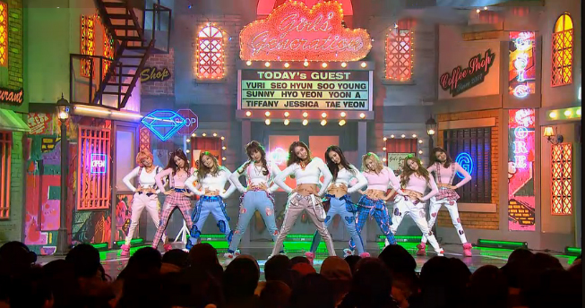 """Girls' Generation Performs """"I Got A Boy"""" & """"Dancing Queen"""" for Music Core Comeback"""