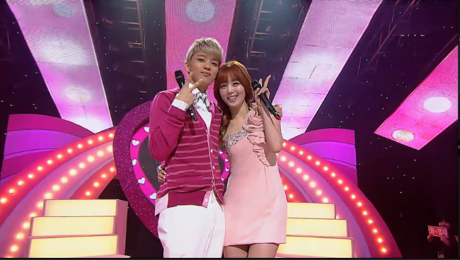 "Secret's Sunhwa and B.A.P's Young Jae Perform ""Everything Is Pretty"" on Inkigayo"
