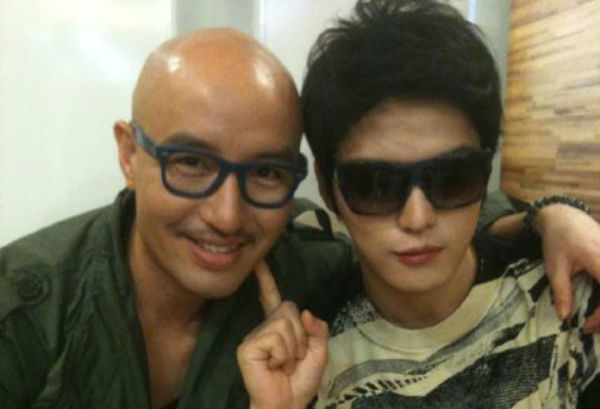 Hong Suk Chun Shares a Photo from JYJ Kim Jaejoong's Birthday Party
