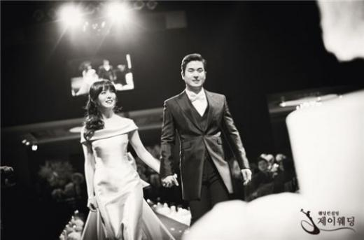 Stars Attend and Celebrate Wonder Girls' Sunye's Beautiful Wedding