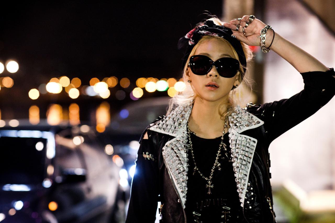 2NE1's CL Shows Off Unique Charisma Through Black and White Picture