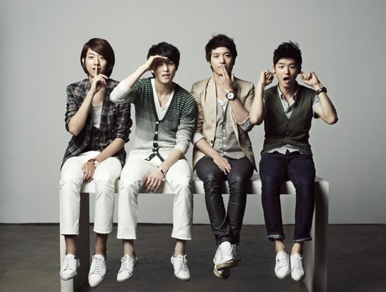 CNBlue's New Album on Top of the Billboard World Album Chart