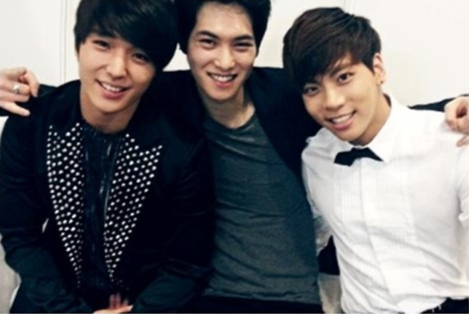 FT Island's Choi Jong Hoon, CNBlue's Lee Jong Hyun, and SHINee's Jong Hyun Look Gorgeous Together in Recent Photo
