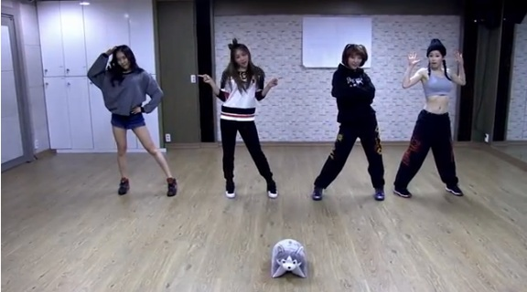 "GLAM Releases Dance Practice Clip For ""I Like That"""