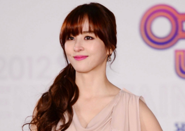 Han Hye Jin Looks Like a Greek Goddess in Recent Pictures