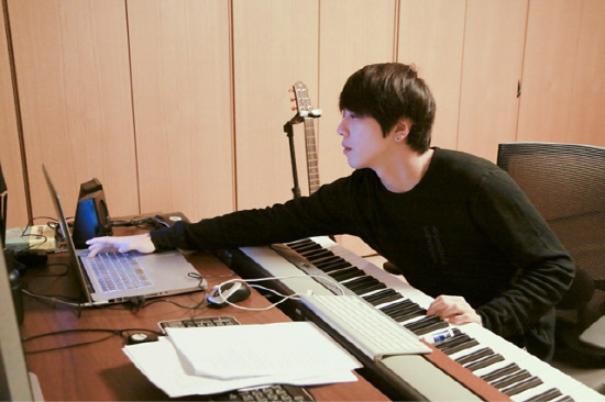 Jung Yong Hwa to Produce the Title Song for the CNBlue's New Album!