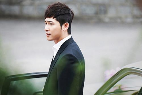 Actor Kang Ji Hwan Denies Assaulting His Manager