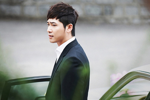 Actor Kang Ji Hwan Denies Assaulting His Manager