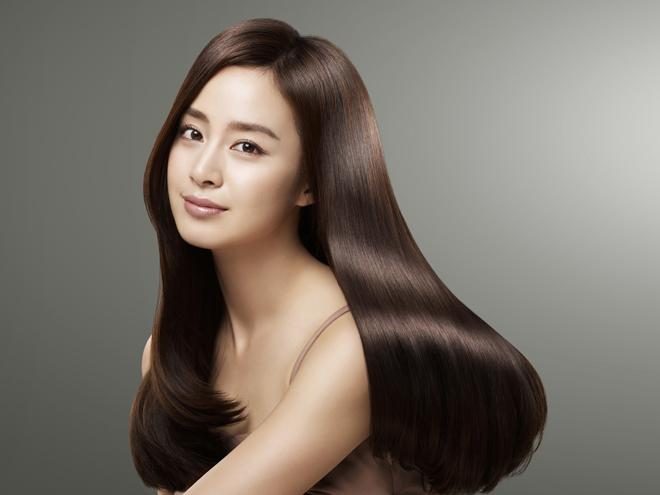 Kim Tae Hee Transforms into Beautiful Shampoo Fairy