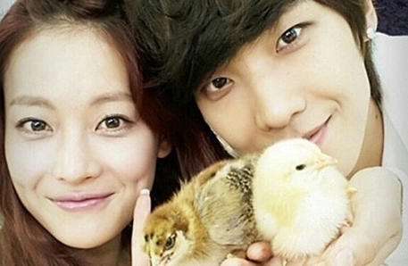 """Oh Yeon Seo and Lee Joon Have a Heart to Heart on """"We Got Married"""""""