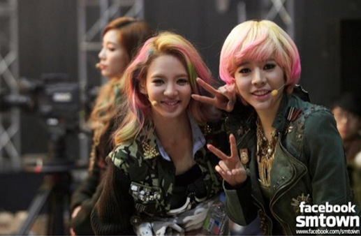 Girls' Generation's Sunny and Hyoyeon's Look Like Goddesses in Recent Photo