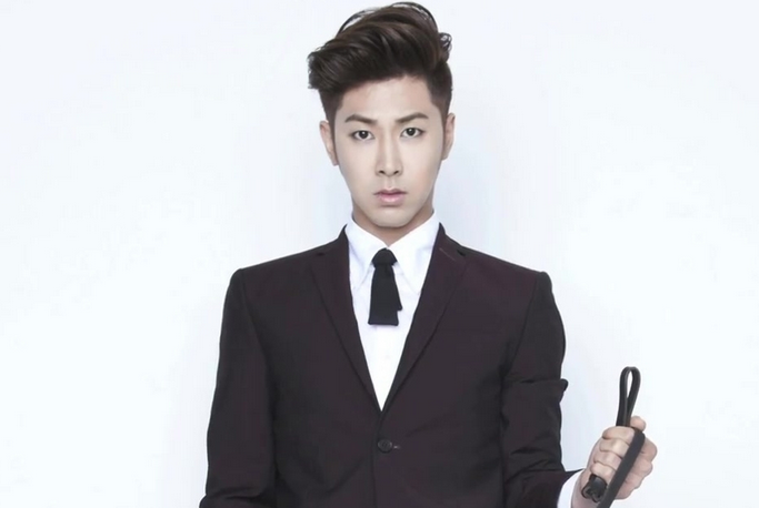 """DBSK's Yunho Dresses Up As A Hockey Player For """"Night King"""""""