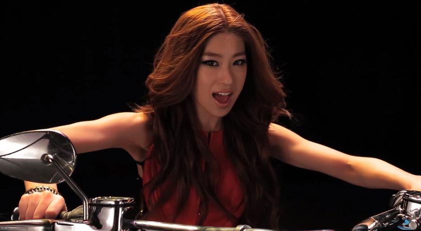 "Lee Hwan Hee Makes Comeback With ""Monroe's Heel"" MV"