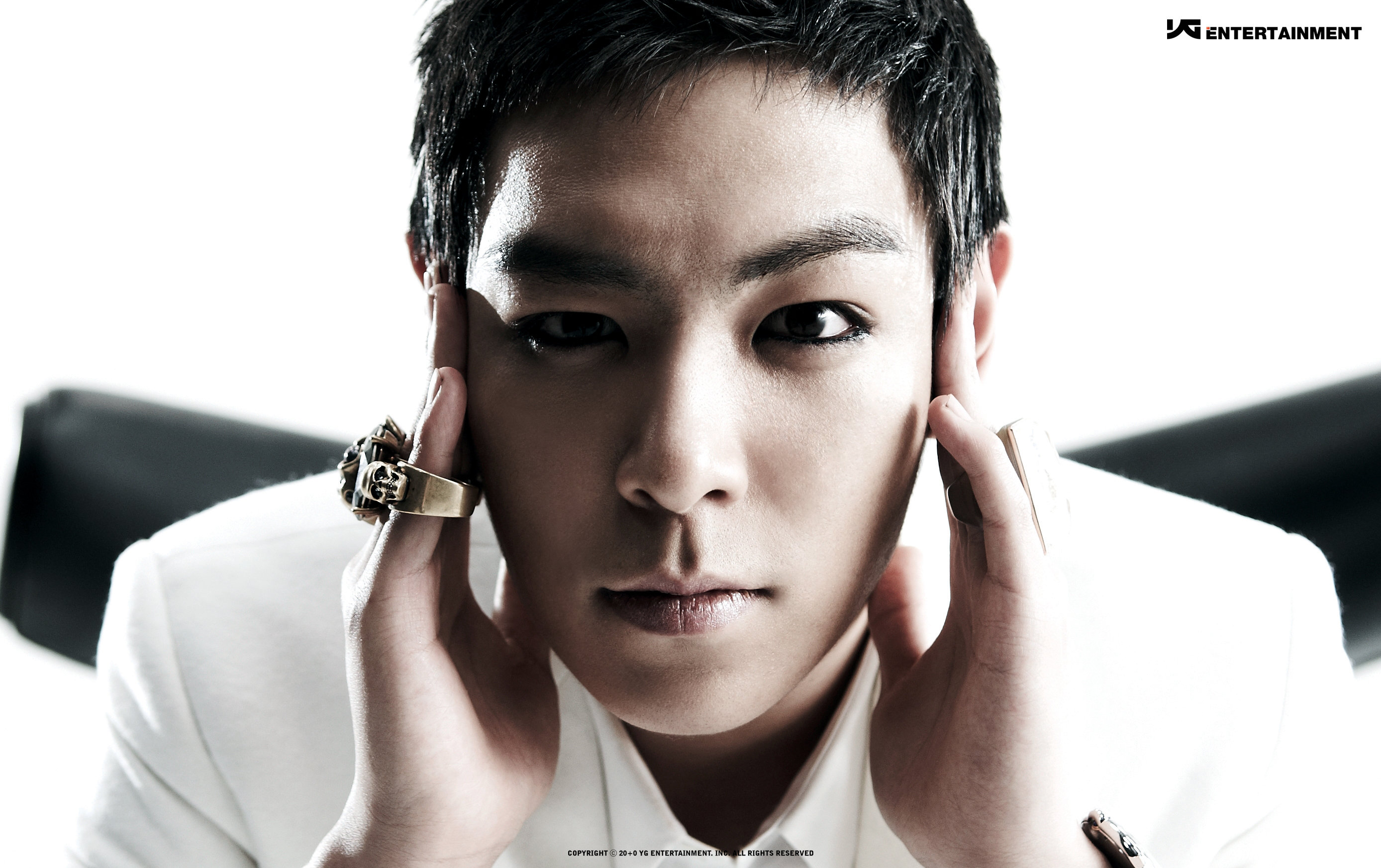 "Big Bang's T.O.P in Talks to Lead Movie ""Tazza 2"""