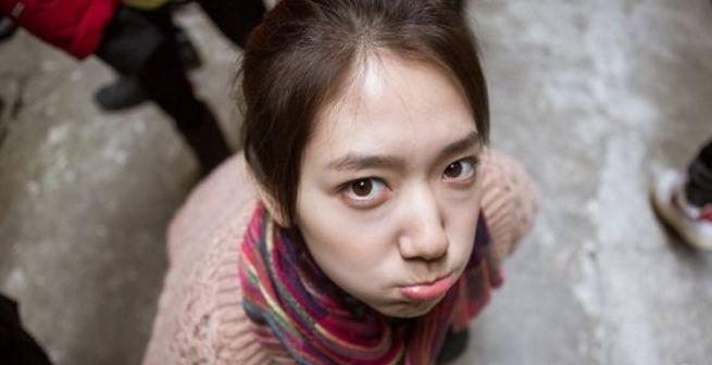 Park Shin Hye Snaps a Selca Picture In School Uniform