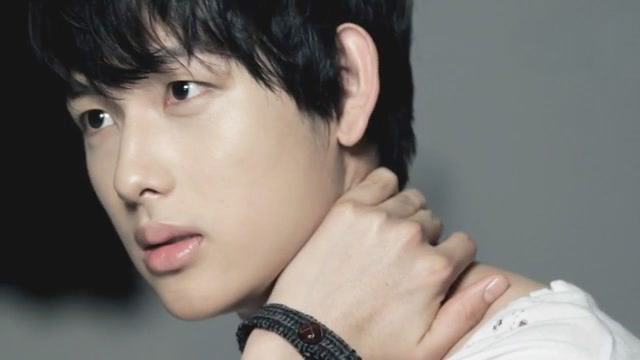 ZE:A Reveals That Siwan Used to Be Obsessed with Fashion