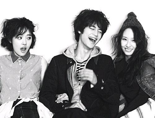 """Minho, Sulli, and Krystal Look Like Siblings in """"High Cut"""""""