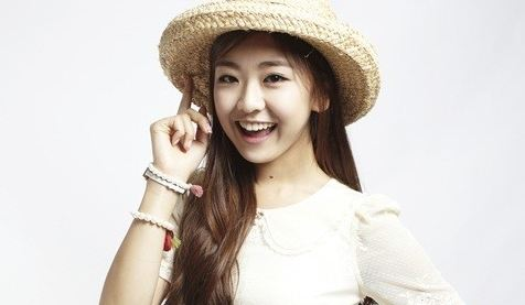 Kwon Ri Sae Leaves Key East Entertainment and Joins Another Agency